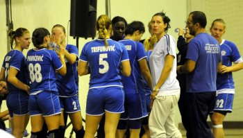 Bojana Popovic with the team
