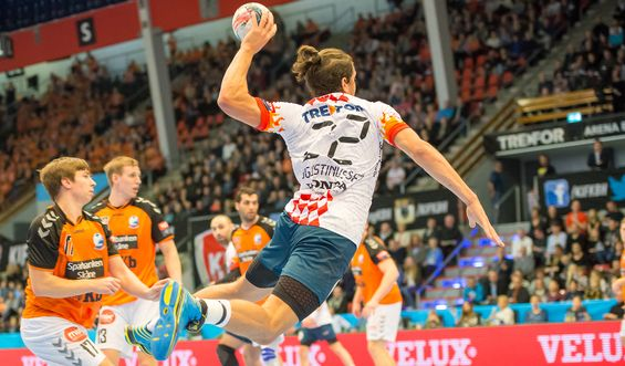 ... playmaker Lasse Møller from GOG and line player Allan Toft Hansen from  Mors-Thy Handball – the younger brother of Danish senior internationals  René ... cabe82dd3ec74