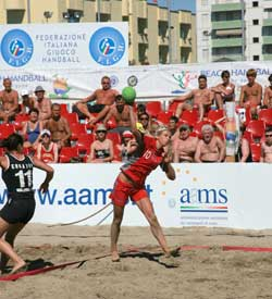 Beach Handball is in the focus