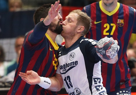 how to play defense in team handball