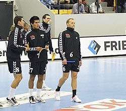 Vilhelmsen (no. 6) preparing for the game with GOG