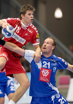 Hansen in attack against Portland's Jörgensen