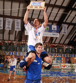 The 19 Year Old Karabatic With Guigou In Neck First Cl Le