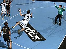 "A classic shot: Kavticnik ""flies"" in the CL Final"