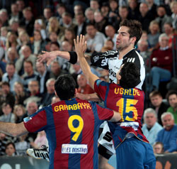 Karabatic started well, but had to leave the court with a minor injury