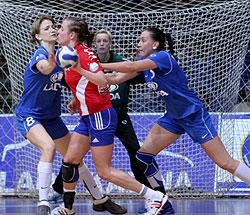 Strict defending: Postnova (right) and Muravyeva in front of Sidorova