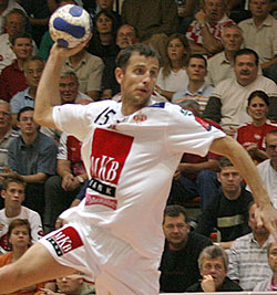 Pásztor is proud to play in London