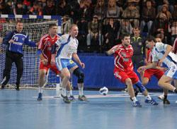 Dimitri Torgovanov in white in the middle