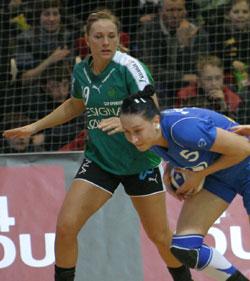 Bille-Hansen (left) in the quarterfinals last season against Lada