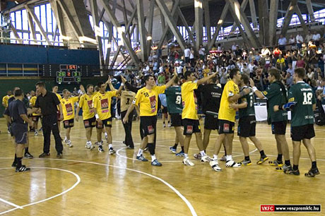 The exhibition game was successful: great handball and superb atmosphere